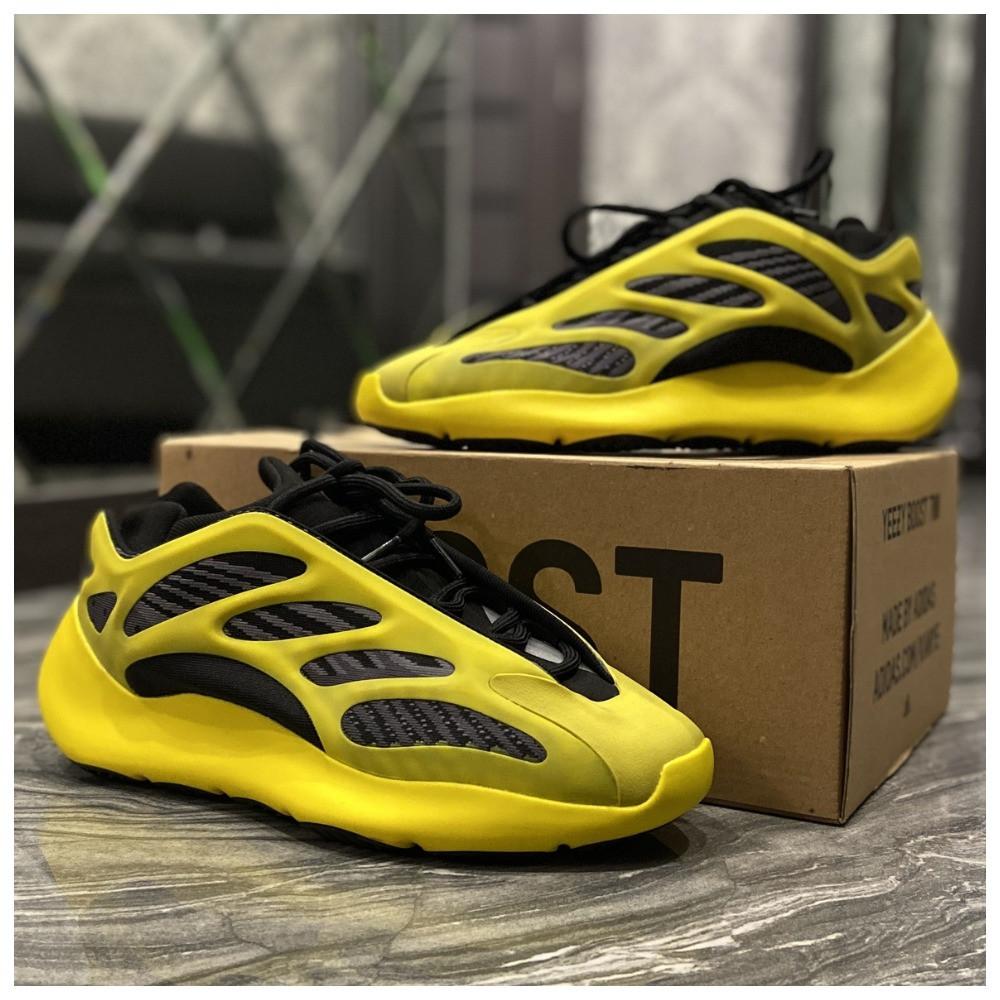 Мужские кроссовки Adidas Yeezy Boost 700 V3 Yellow Black, кроссовки адидас изи 700, кросівки Adidas Yeezy 700