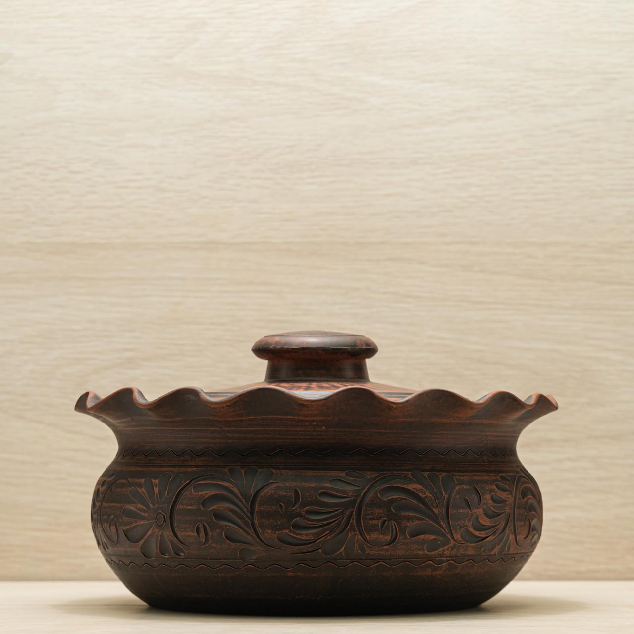 Вареничница с крышкой глиняная малая 1,6л резной узор