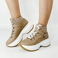 Ботинки женские кожаные бежевые на толстой подошве MORENTO зимние