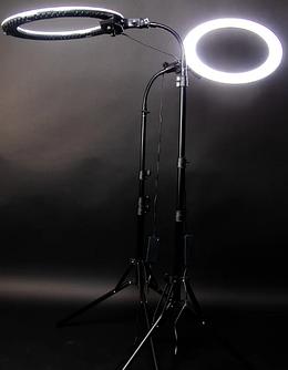 Студийные вспышки, осветители и аксессуары