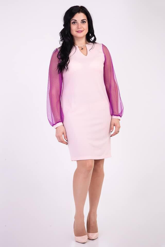 Женское платье с красивым прозрачным рукавом