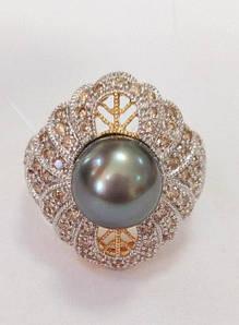 Изделия из золота с бриллиантами