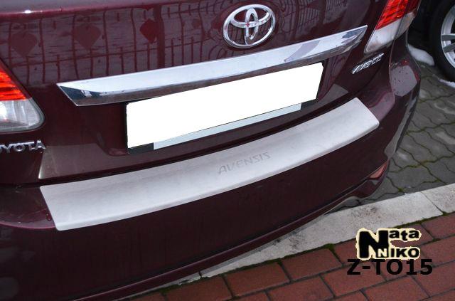 Накладка на бампер Toyota Avensis 2012- с загибом