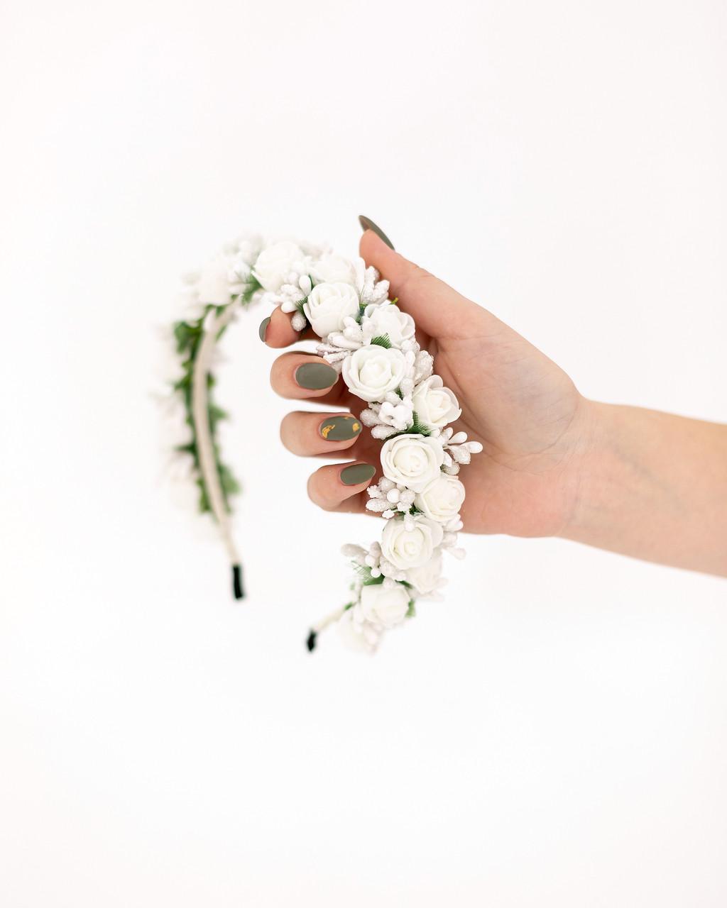 Обруч из белых цветов