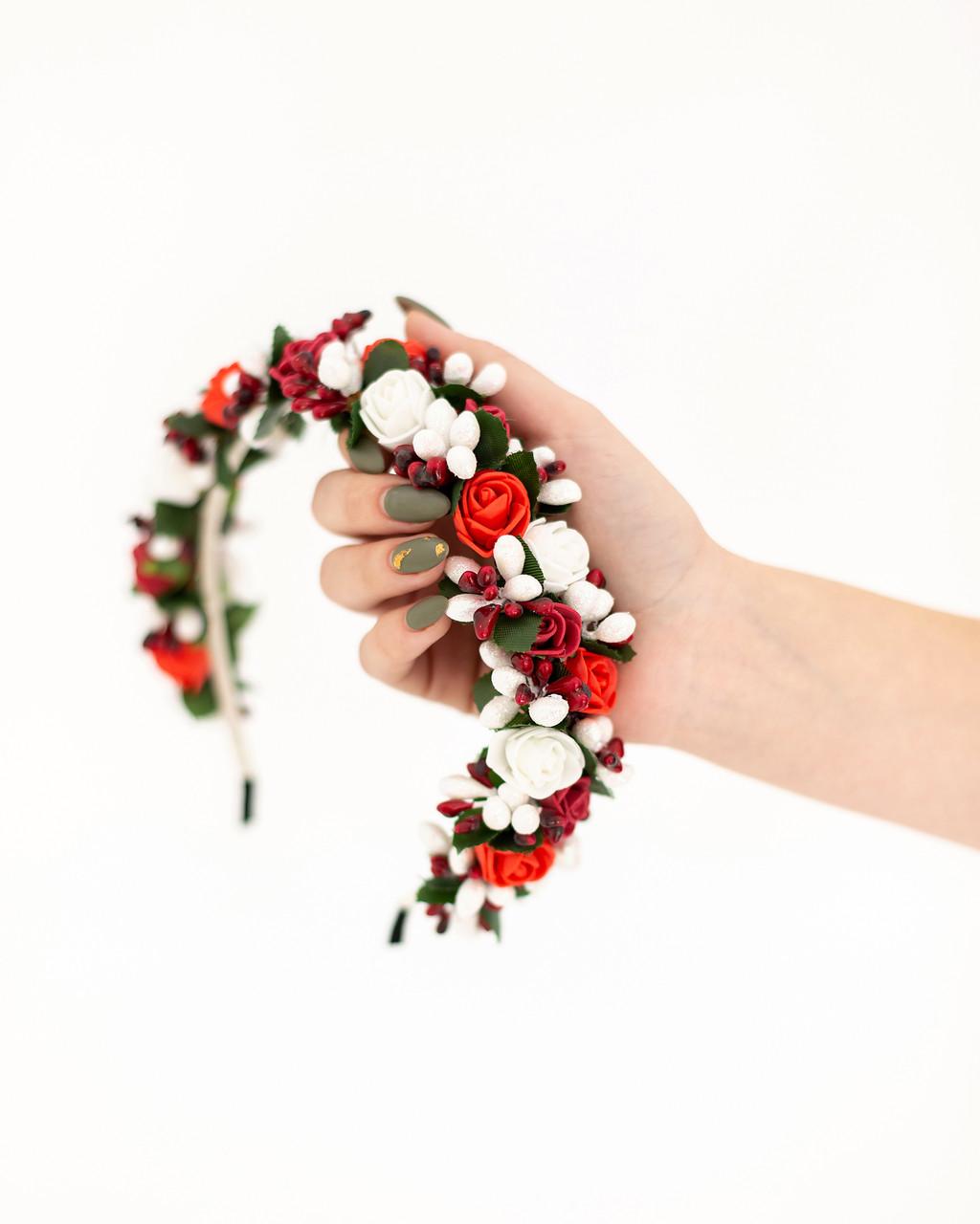 Красочный обруч с цветами