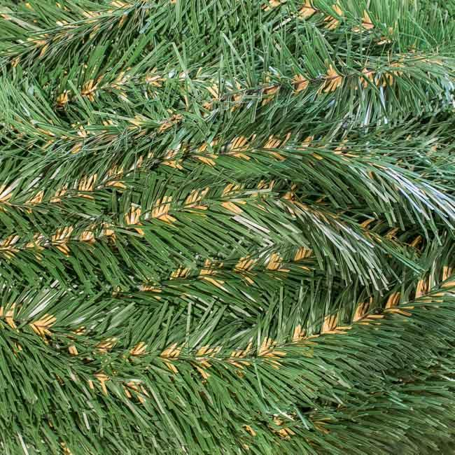 Хвоя декоративная зеленая с коричневой серединой за 2,9 м*10 шт