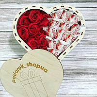 """Бокс любимой девушке """"Розы и Рафаелло"""" в сердце Подарок для девушки мамы жены, подарочный набор Box"""