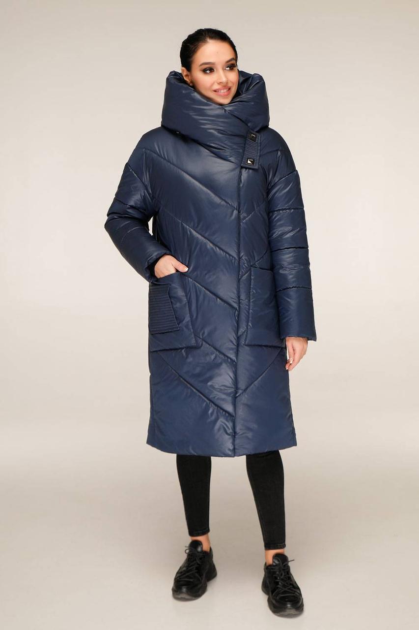 Зимова куртка подовжена з накладними кишенями з об'ємним коміром-капюшоном з 44 по 54 розмір