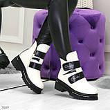 Эффектные белые зимние женские ботинки на черных липучках, фото 6