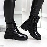 Черные лаковые зимние женские ботинки в классическом стиле, фото 2