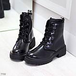 Черные лаковые зимние женские ботинки в классическом стиле, фото 4