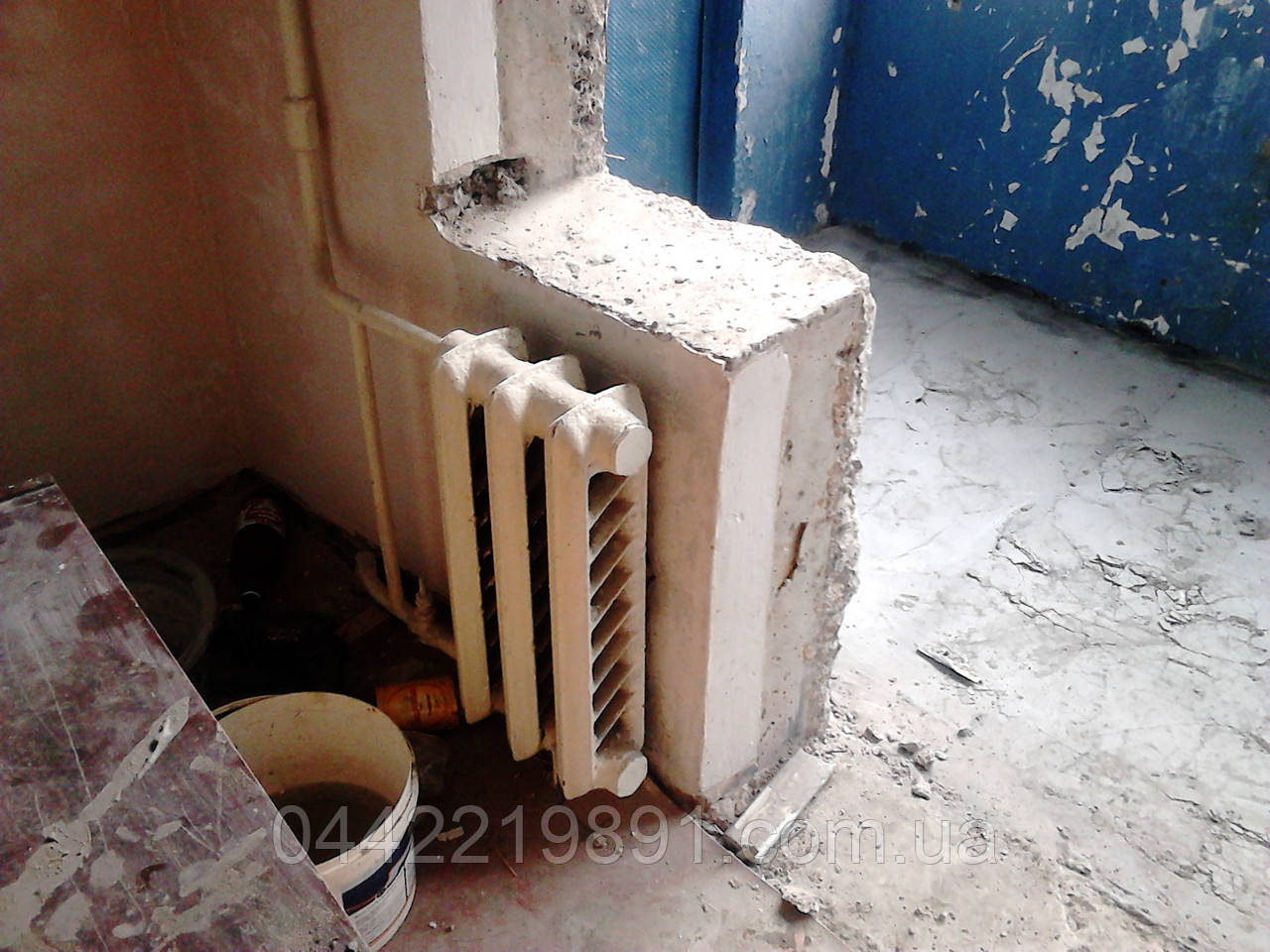 Демонтаж балконной тумбы, снос балконных тумб