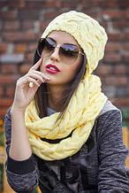 Комплект крупной вязки хомут  и шапка  цвета жёлтый и чёрный