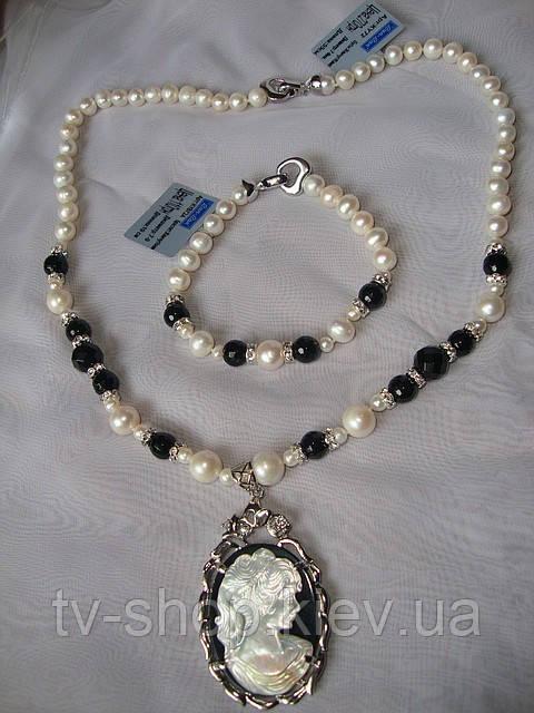 Набір з натуральних перлів і оніксу з камеєю