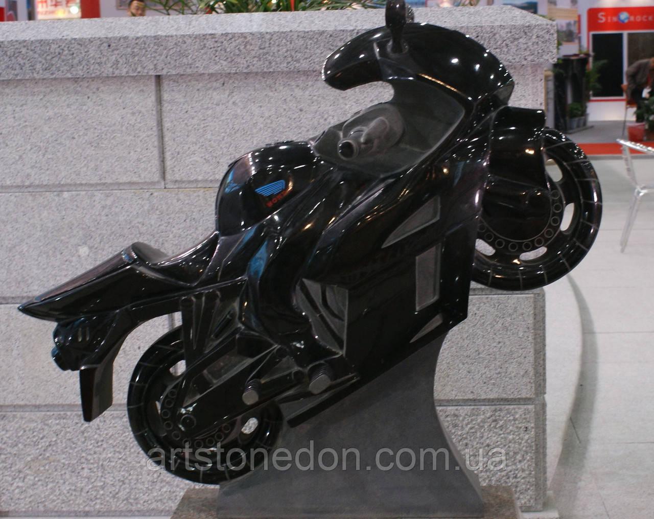 Памятник из гранита Мотоцикл