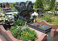 Памятник гранитный для медработника
