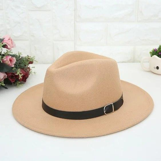 Женская классическая шляпа на осень с черным ремешком vN7677