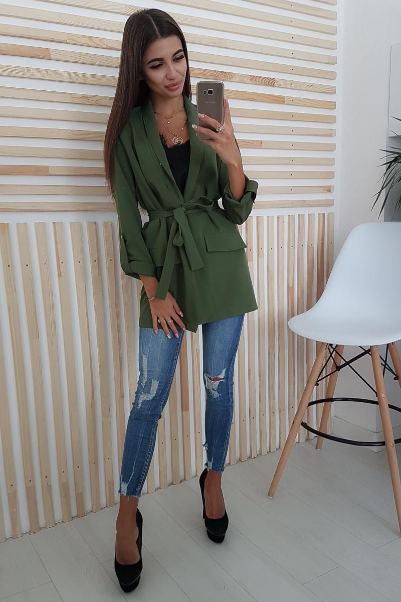 Удлиненный пиджак цвета хаки приталенный поясом