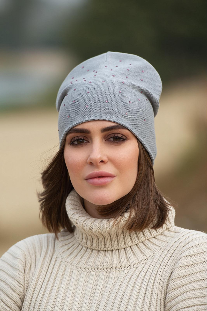 """Стильная женская шапка """"Стразы"""" демисезонная двойная цвет металлик"""