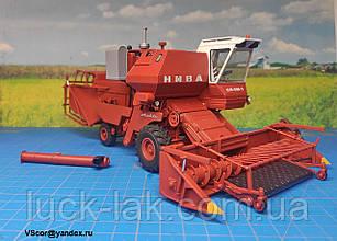 Масштабная модель-копия комбайна зерноуборочного НИВА СК-5 М1