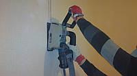 Прокладка штроб Труба кабель в штробе Устройство штробы