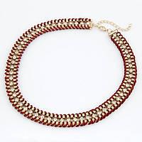 Ожерелье Ribbon-Wrapped Curb Chain - золотая цепь с камнями обернута  бордовой лентой