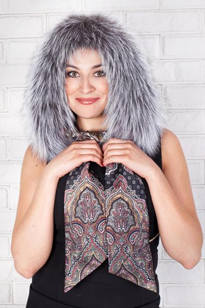 Шикарный капюшон-шарф из натурального итальянского шелка с финским мехом из чернобурки