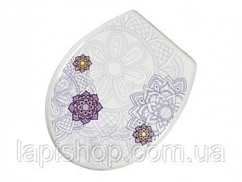 Сиденье для унитаза размером 37,2 х 43,3 см, из коллекции Bathlux Flor de clasico Bathlux