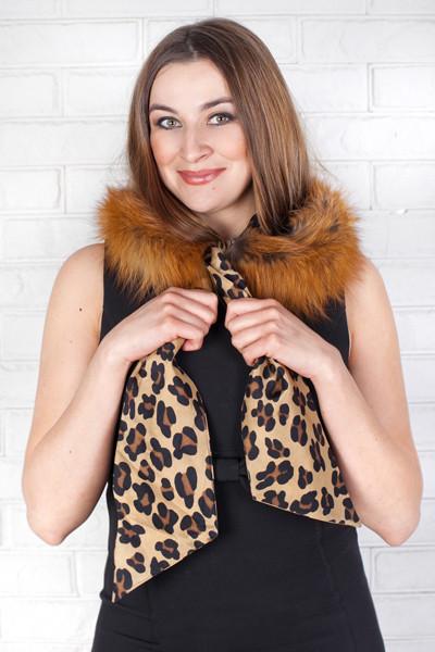 Шикарный капюшон-шарф из натурального итальянского шелка с мехом лисы