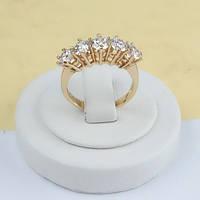 Кольцо позолоченное дорожка из камней в виде обручалки 19 размер