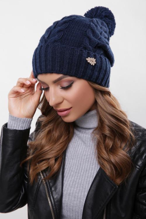 Модная женская шапка с узорами, бубон в цвет пряжи темно-синяя