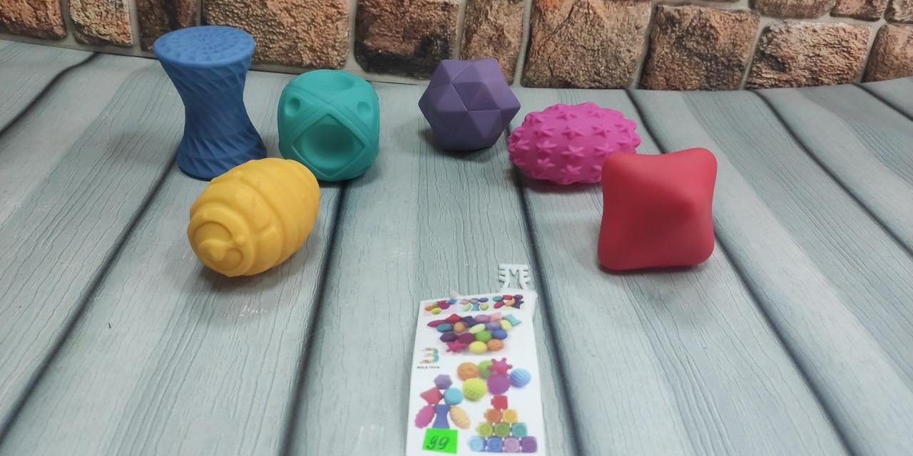 Тактильные игрушки с разными текстурами