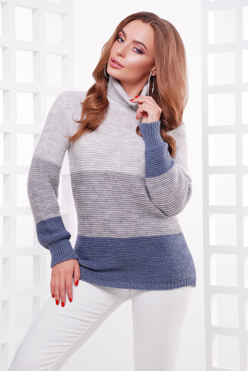 Удобный трехцветный женский свитер прямого силуэта св.серый-т.серый-св.джинс 44-52
