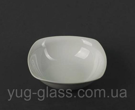 Глубокая квадратная тарелка белая