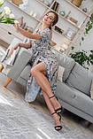 Легкое летнее платье на запах, (40-46рр), миди, за колено, принт голубые листья на бежевом, фото 5