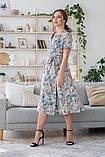 Легкое летнее платье на запах, (40-46рр), миди, за колено, принт голубые листья на бежевом, фото 6