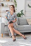 Легкое летнее платье на запах, (40-46рр), миди, за колено, принт голубые листья на бежевом, фото 7