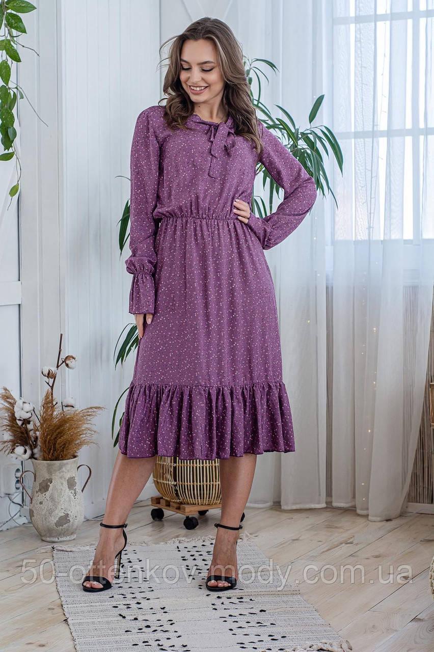 Легкое летнее штапельное платье миди, (40-46рр), декорировано рюшами, принт - розовые цветы на темно-сиреневом