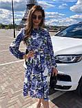 Летнее платье за колено, с резинкой на поясе, длинный рукав (40-46), принт - синие цветы на белом, фото 2