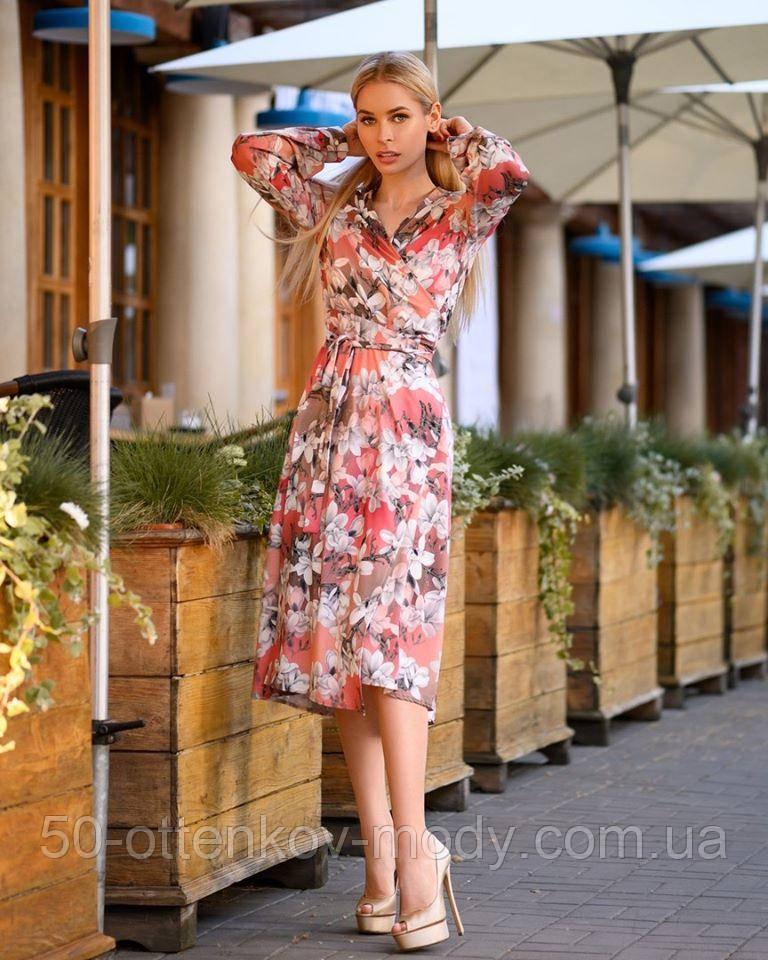 Легкое летнее платье на запах, (48-50рр), миди, за колено, принт магнолия на теплом фоне
