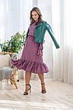 Легкое летнее штапельное платье миди, (40-46рр), декорировано рюшами, зеленые цветы на сиреневом, фото 5