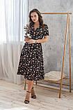 Легкое летнее платье на запах, (48-50рр), миди, за колено, принт  мелкие букеты на черном, фото 6