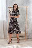 Легкое летнее платье на запах, (48-50рр), миди, за колено, принт  мелкие букеты на черном, фото 7