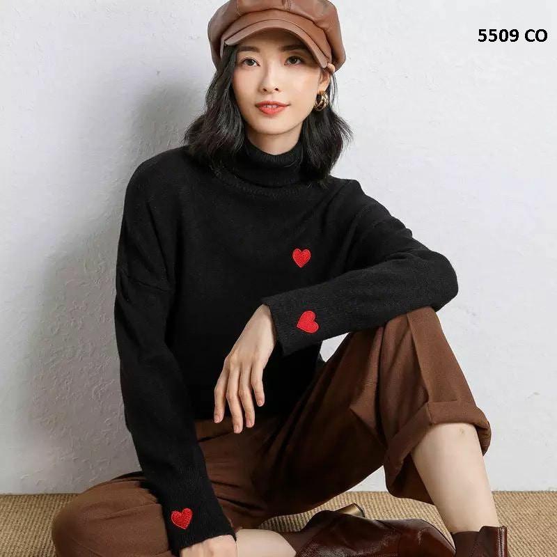 Милий жіночий светр з сердечками 5509 З