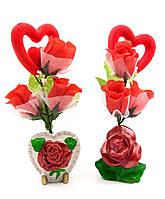Букет из роз с сердечком 22х9х5,5см (23955)