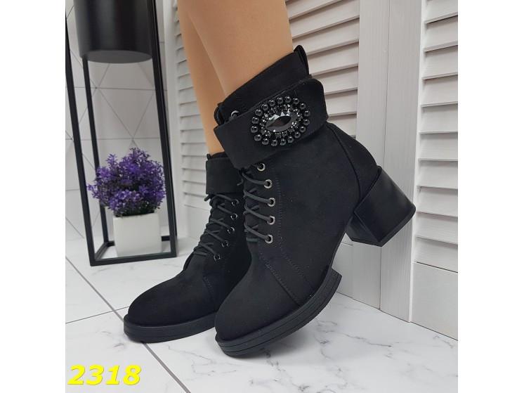 Ботинки зимние на низком широком каблуке классика на шнуровке 40 р. (2318)
