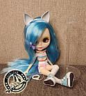 Шарнирная кукла Блайз (Айси) голубые волосы и набор кистей + подарки (ушки, костюм и кроссовки), фото 2