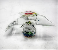Дельфин на шаре хрустальный 6х4х4см (18164)
