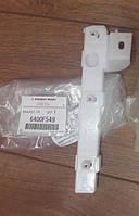 Кронштейн бампера переднього лівий MMC - 6400F549 Lancer X