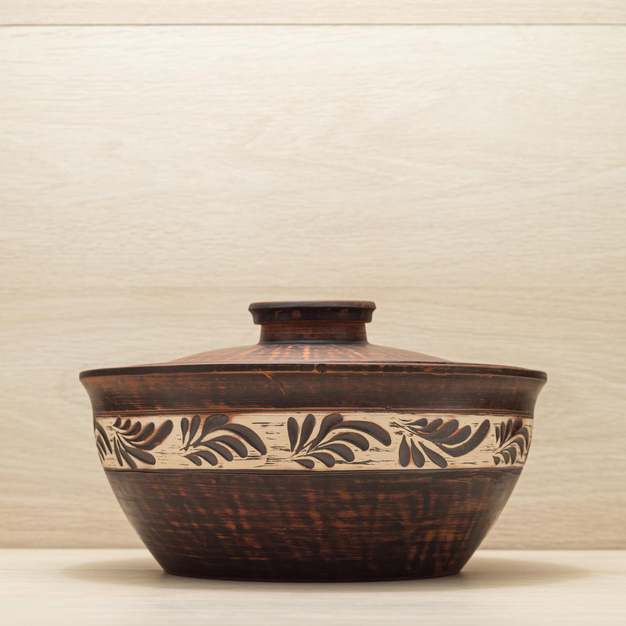 Макитра с крышкой глиняная 3,5л резной узор, ангоб
